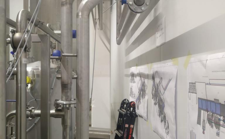 inox leiding koelinstallatie in voedingsector